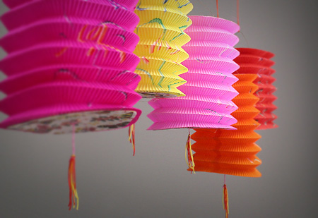 19cm Paper Lanterns Mixed colours x10pcs